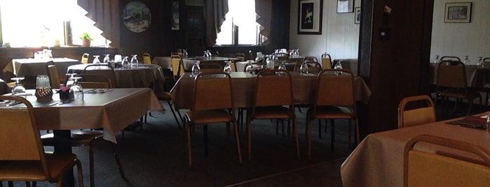 Hide-A-Way Restaurant & Lounge is one of Erin'in Beğendiği Mekanlar.