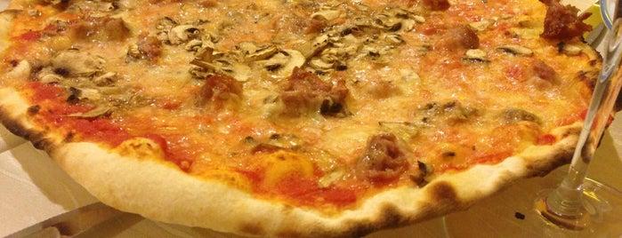 Al Cavallino Bianco is one of Posti che sono piaciuti a Maria.