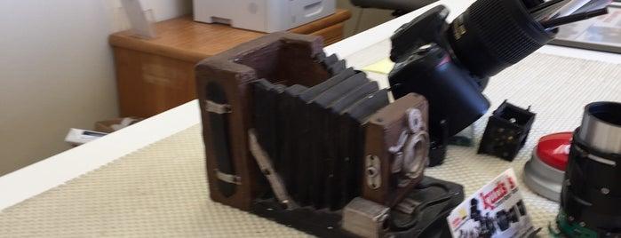 Kurt's Camera Repair is one of สถานที่ที่ Jon ถูกใจ.