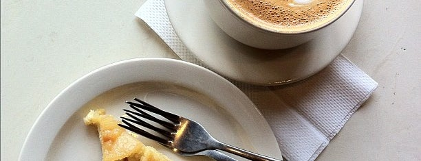 Caffe Paradiso is one of สถานที่ที่ Allison ถูกใจ.