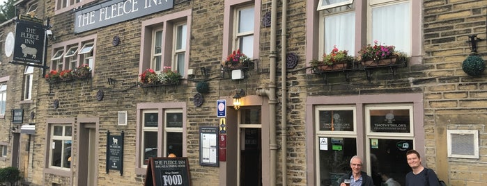 The Fleece Inn is one of Required Guide Pubs.
