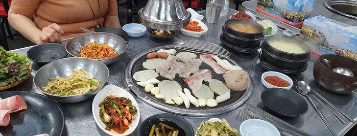 우야우야 대패삼겹살 is one of Gespeicherte Orte von Jae Eun.