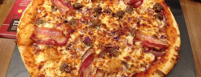 Pizza Hut is one of สถานที่ที่ Andrea ถูกใจ.