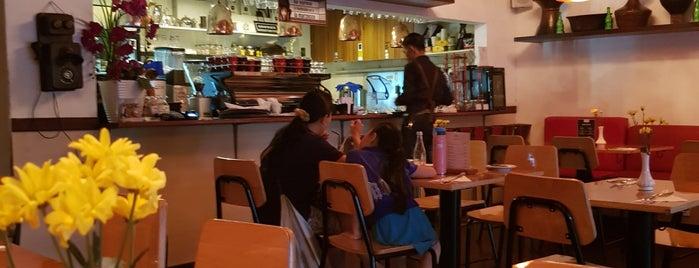 EXPATRIATE Restaurant & Coffee is one of Tempat yang Disimpan Juand.