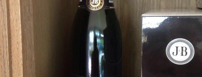 Boutique Champagne Janisson Baradon is one of สถานที่ที่บันทึกไว้ของ Jean-Marc.