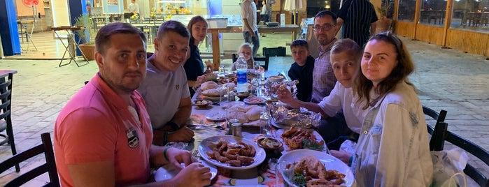Fares Seafood is one of Abomutaz Alrasheed'in Beğendiği Mekanlar.