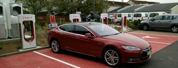 Tesla Supercharger Châlons-en-Champagne is one of Superchargeurs Tesla en France.