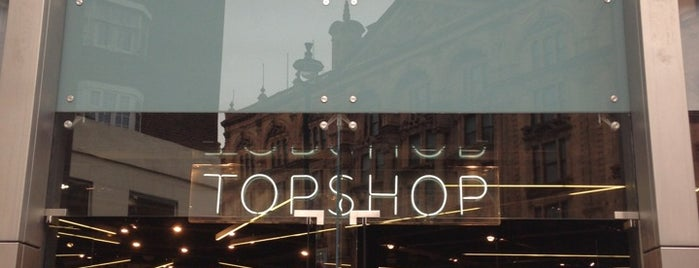 Topshop is one of Londres.