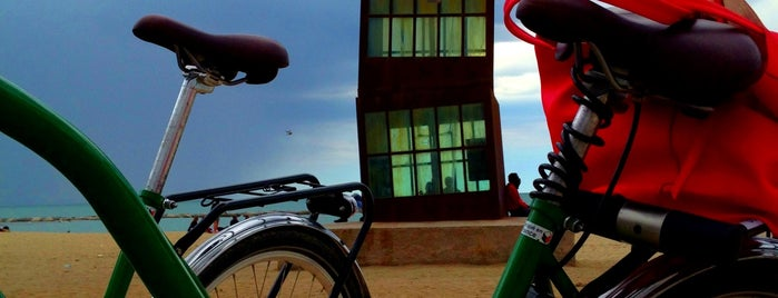 Platja de la Barceloneta is one of Barcelona's Best Great Outdoors - 2013.