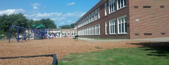 Monteith Elementary School is one of Danielle : понравившиеся места.