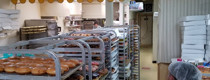 Donut Maker is one of Denver.