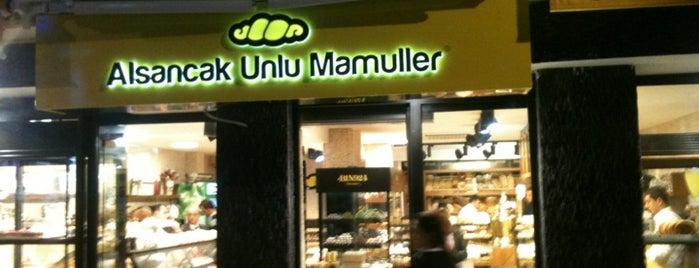 Alsancak Unlu Mamuller is one of Lieux sauvegardés par Kaya Tuna.