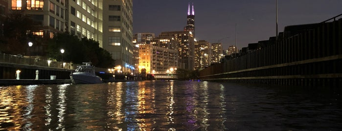 Kayak Chicago is one of Love Chicago.