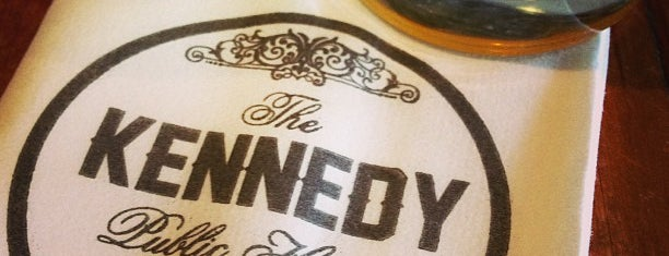 The Kennedy Public House is one of Locais curtidos por Kelly.
