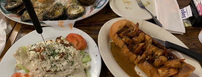 Mr. Ed's Oyster Bar & Fish House is one of Friends' Favs.