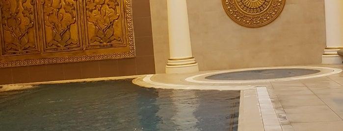 Akrones Hotel Termal Havuzu is one of Locais salvos de Szny.