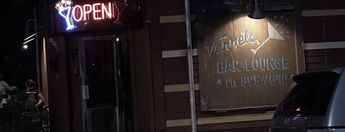 Verret's Lounge is one of Posti che sono piaciuti a Erica.