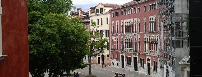 Campo San Polo is one of Venezia.