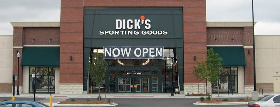 Dick's Sporting Goods is one of Toby 님이 좋아한 장소.