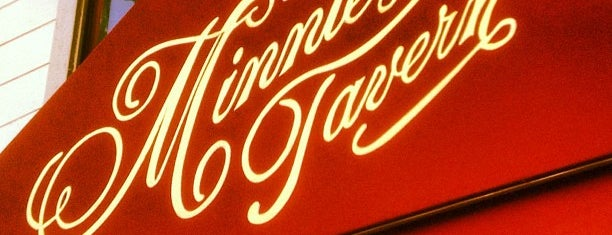 Minnie's Tavern and The Rye House is one of สถานที่ที่ William ถูกใจ.