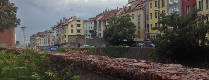 Bratislavské hradby is one of Carl 님이 좋아한 장소.