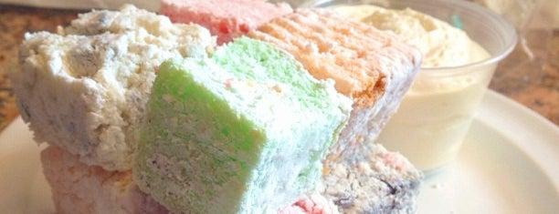 Lucky Treats Bakery is one of Jamie : понравившиеся места.