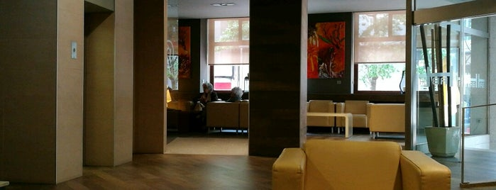 Hotel Rías Bajas is one of สถานที่ที่ Yago ถูกใจ.