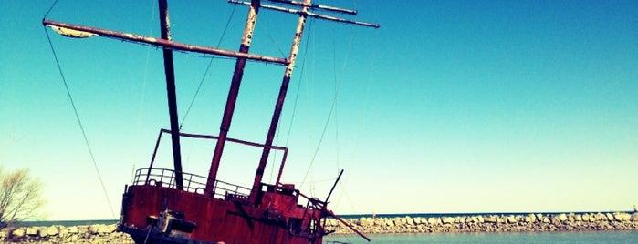 Pirate Ship is one of Tempat yang Disimpan Humara.