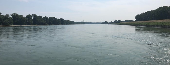Blaues Wasser is one of TD.