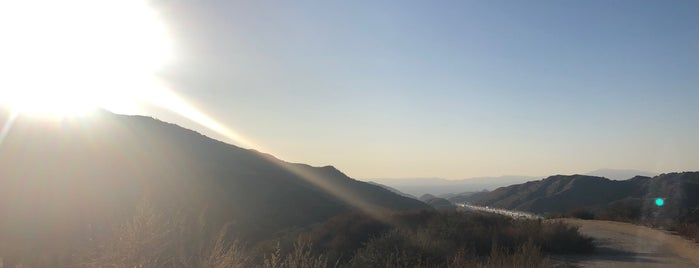 La Tuna Canyon is one of Hiking - LA - South Bay - OC - etc..