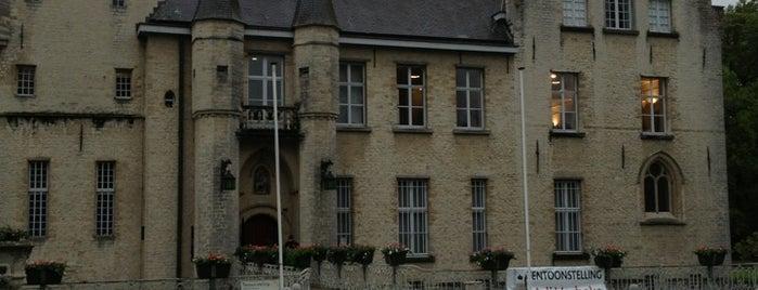 Kasteel Cortewalle is one of สถานที่ที่ Alexandra ถูกใจ.