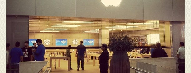 Apple Topanga is one of Apple Stores US West.