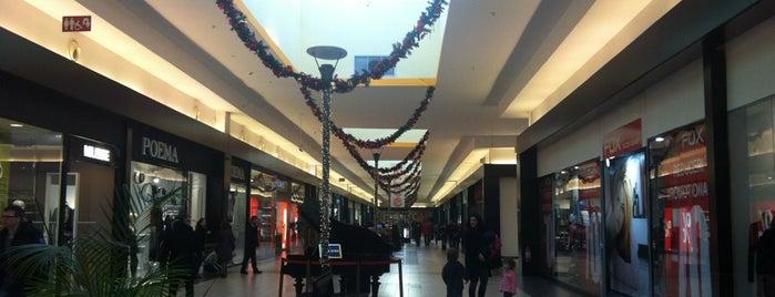 Promenada Mall is one of Lieux qui ont plu à Radu.