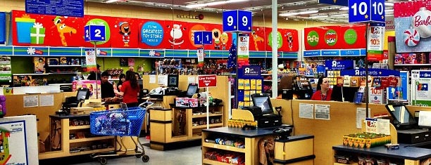 "Toys""R""Us / Babies""R""Us is one of Tempat yang Disukai Shawntini."