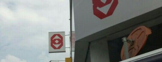 Public Bank is one of Locais curtidos por MAC.
