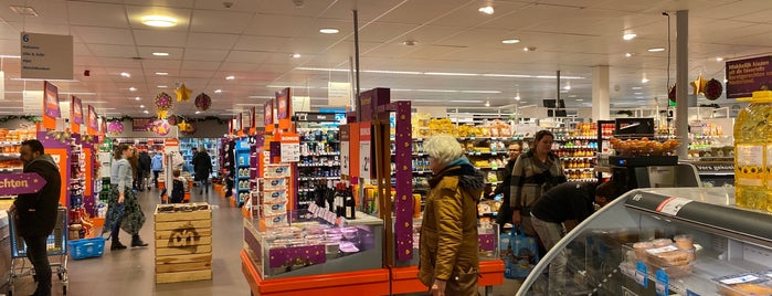 Albert Heijn is one of Lugares favoritos de Peter.