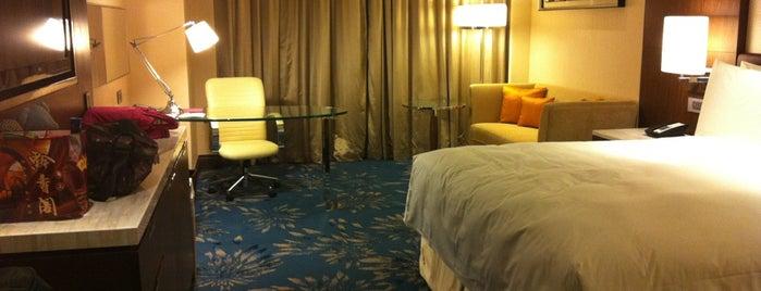 Shanghai Marriott Hotel Pudong East is one of สถานที่ที่ Chrissi ถูกใจ.