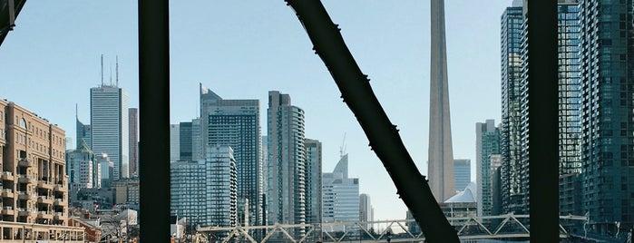 Bathurst Bridge is one of photo ops.