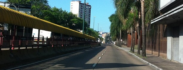 Avenida Farrapos is one of Locais curtidos por Káren.
