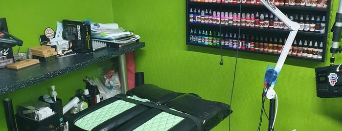 DP Ink TATTOO STUDIO is one of Tempat yang Disukai Andrey.