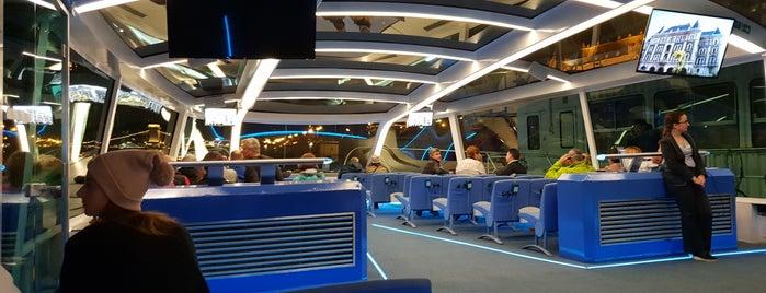 Dock 7 is one of Tempat yang Disukai Antonella.