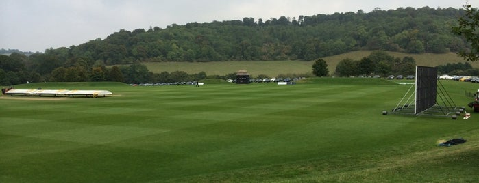 Wormsley Cricket is one of Lieux qui ont plu à Carl.