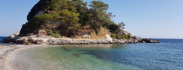 Mikra Lemonakia Beach is one of Samos.