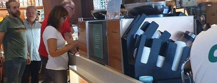 Starbucks is one of Lugares favoritos de Kleber.