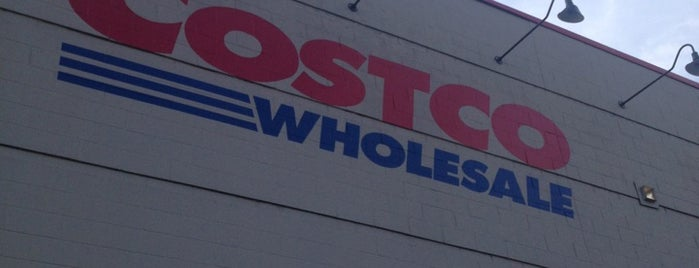 Costco is one of Lugares guardados de Carl.