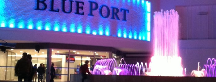 Blue Port is one of Orte, die Özge gefallen.