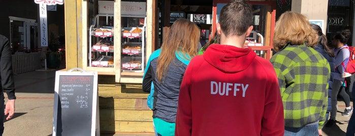 coquette is one of สถานที่ที่ Daryn ถูกใจ.