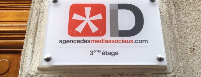 ID - agencedesmediassociaux.com is one of Vickyさんの保存済みスポット.