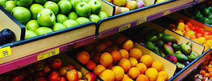 Da Praça Supermercado is one of Posti che sono piaciuti a Steinway.