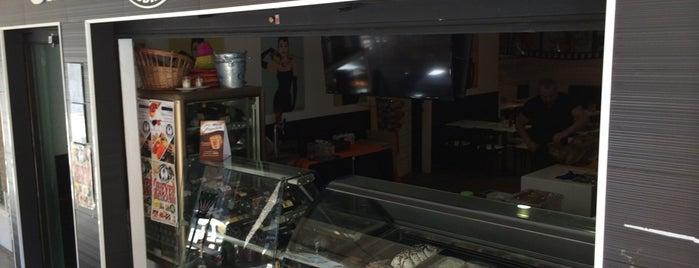 Café Andrey is one of Lieux qui ont plu à Sergio.